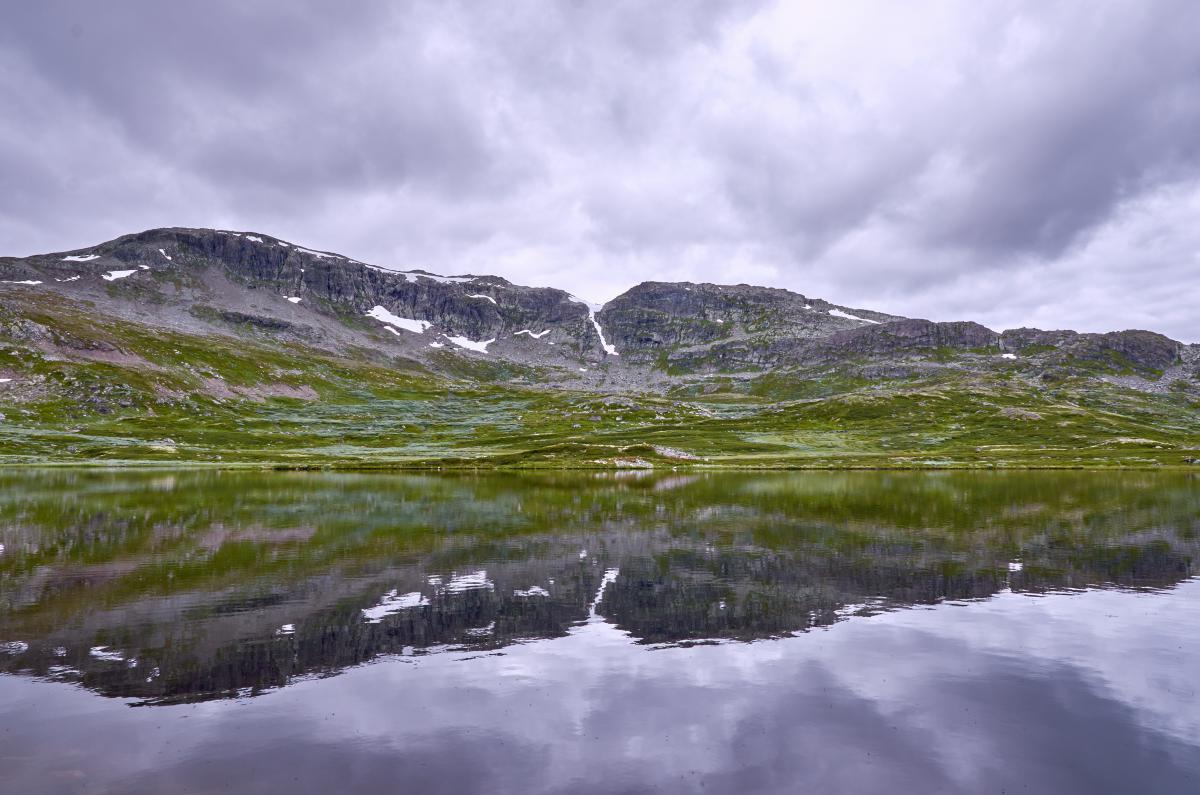 Примеры изображений Nikon 16-80 DX - холодное горное озеро