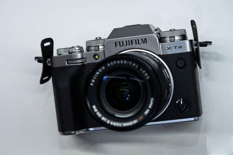 Эргономика Fujifilm X-T4